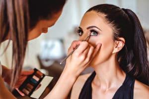 μαθήματα μακιγιάζ εξ αποστάσεως