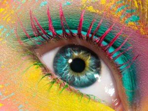 χρωματιστές μάσκαρα